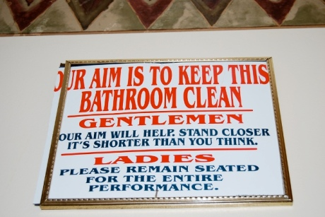 funny-picture-photo-sign-bathroom-mrapplegate-pic